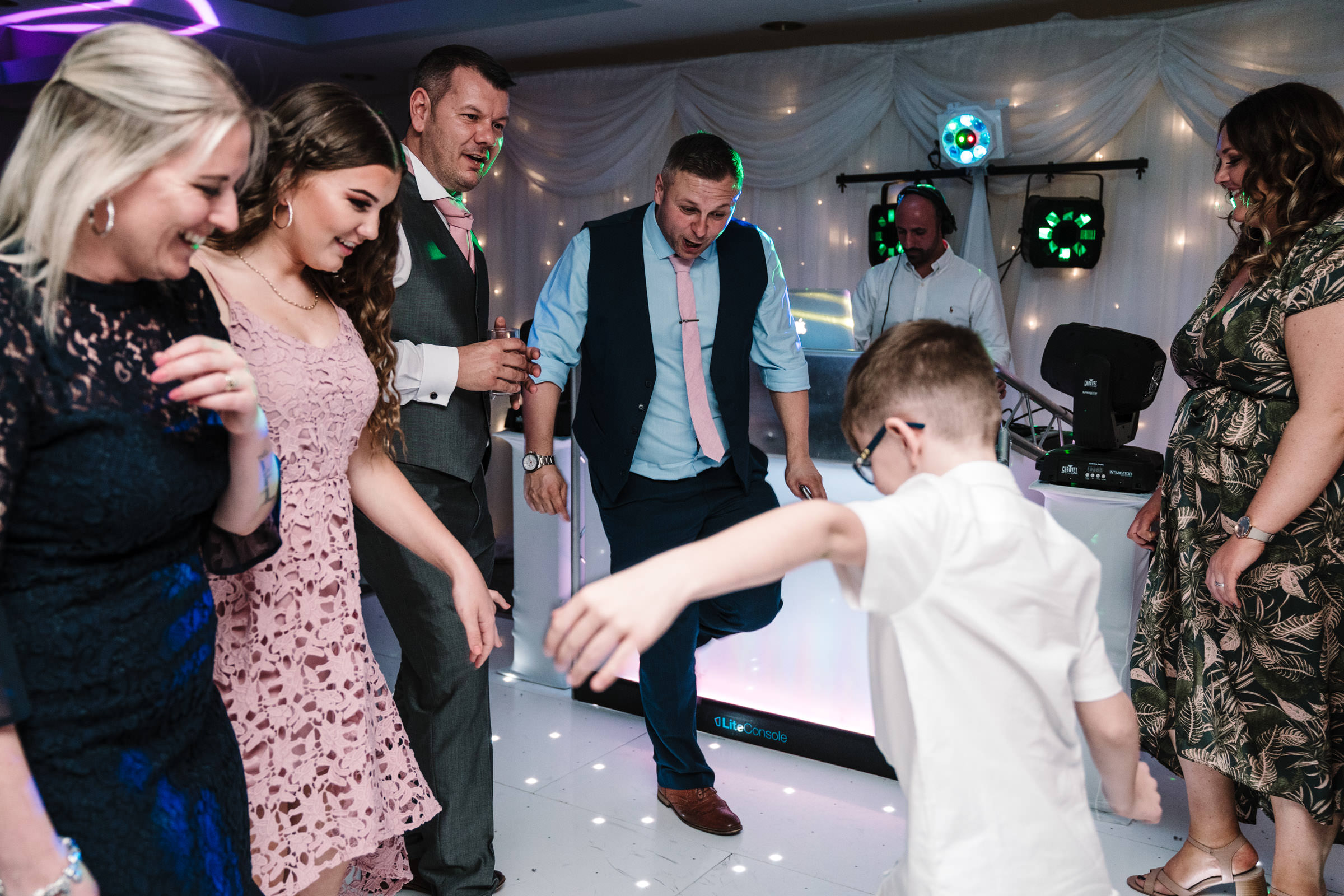 guests dancing at wedding, nailcote hall