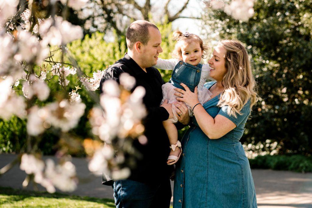 family photoshoot ideas at Jephson gardens, leamington spa